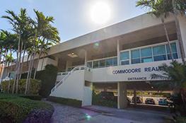 Commodore Plaza